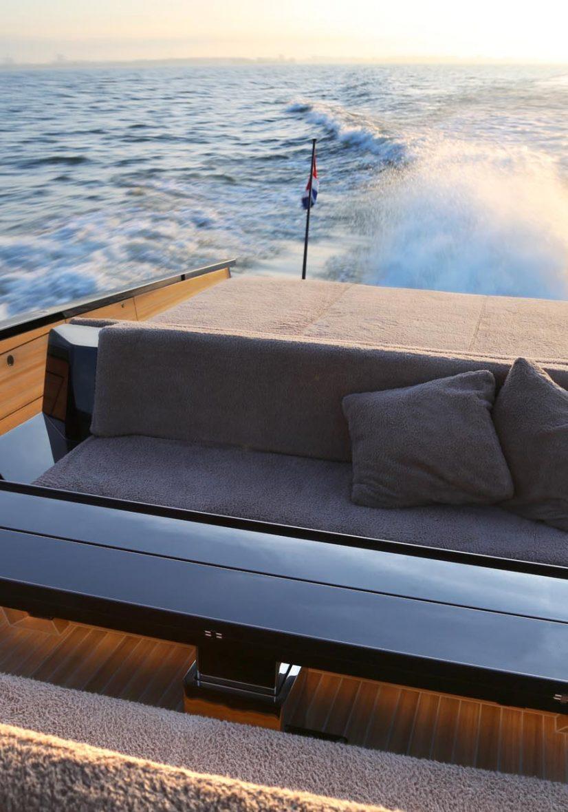 Barco Tender